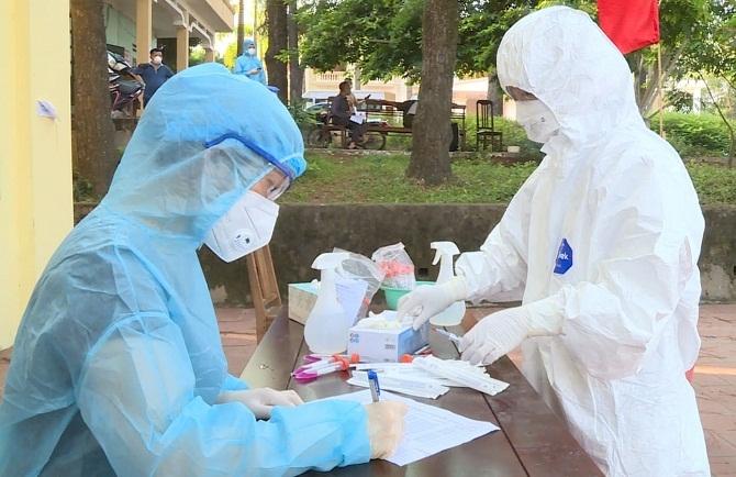 Đoàn công tác y tế của Hà Nội hỗ trợ huyện Lạng Giang phòng chống dịch bệnh Covid-19