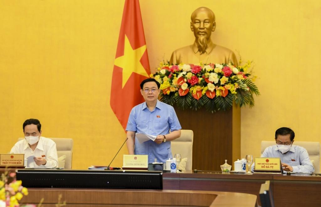 Chủ tịch Quốc hội Vương Đình Huệ phát biểu khai mạc Phiên họp. (Ảnh: quochoi.vn)