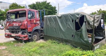 xe container tong vang thung xe bien do 1 nguoi chet 6 nguoi bi thuong