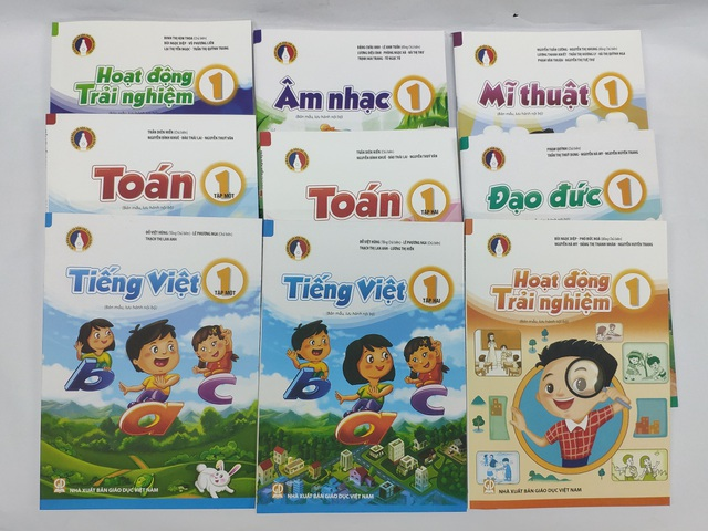 can suy nghi hinh anh hoc sinh vung cao tim song hoc online
