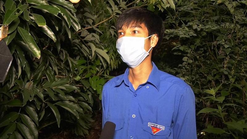 Bắc Giang: Tuổi trẻ huyện Lục Ngạn hỗ trợ người dân thu hoạch vải trong đêm