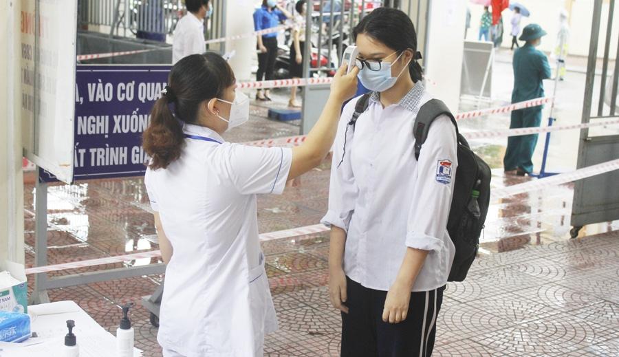 Các điểm thi thực hiện nghiêm quy định phòng, chống dịch Covid-19