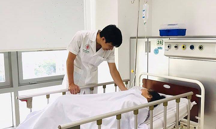 Bỏ uống thuốc để tập theo giáo phái, người phụ nữ bị đột quỵ
