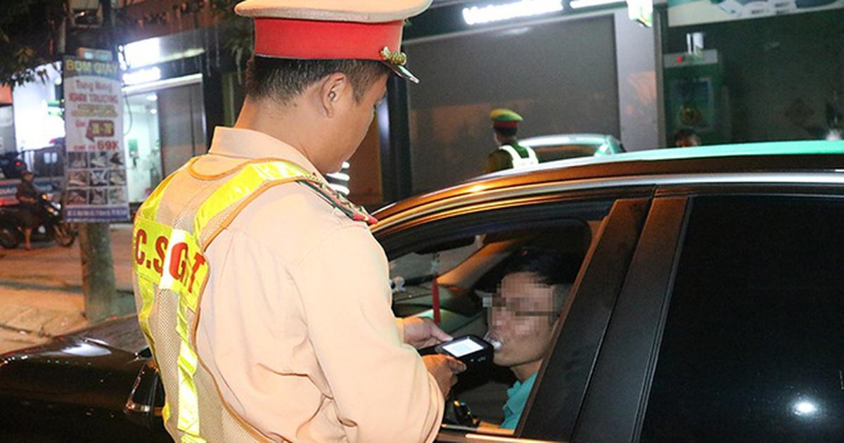 khong chiu kiem tra nong do con mot tai xe bi phat 35 trieu dong