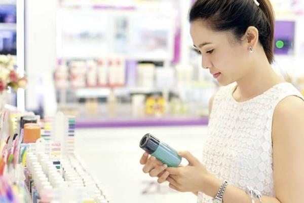 Điểm mặt các chất lợi và hại trong mỹ phẩm dưỡng da