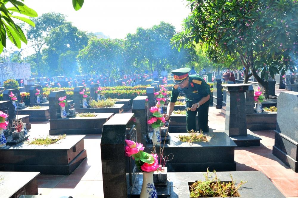 Viettel thăm hỏi, tặng quà hơn 3.000 gia đình thương binh, liệt sỹ