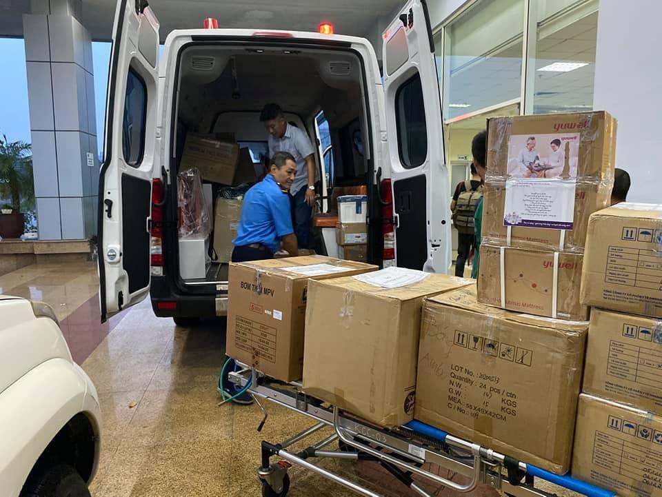 Các y bác sỹ BV Nhiệt đới Trung ương lên đường đón 219 công dân Việt Nam từ Guinea Xích đạo về nước