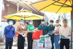 Việt Hương, Tuấn Hưng và loạt sao Việt chung tay hỗ trợ người dân Sài Gòn