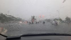 Áp thấp nhiệt đới gây thiệt hại khoảng 2,7 tỷ đồng