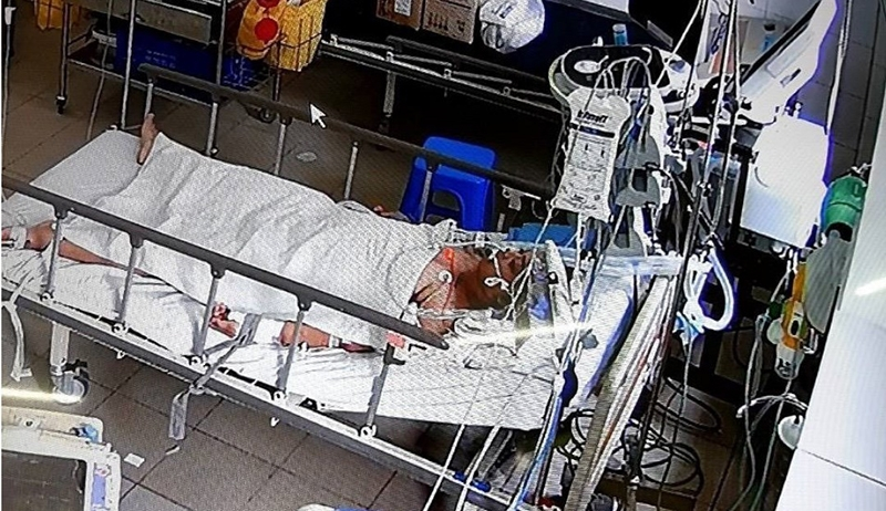 Mổ cấp cứu bắt con cho thai phụ mắc Covid-19 nhiều biến chứng