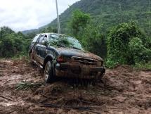 Đèo Bảo Lộc sạt lở tan hoang, ô tô kẹt cứng hàng chục km suốt đêm