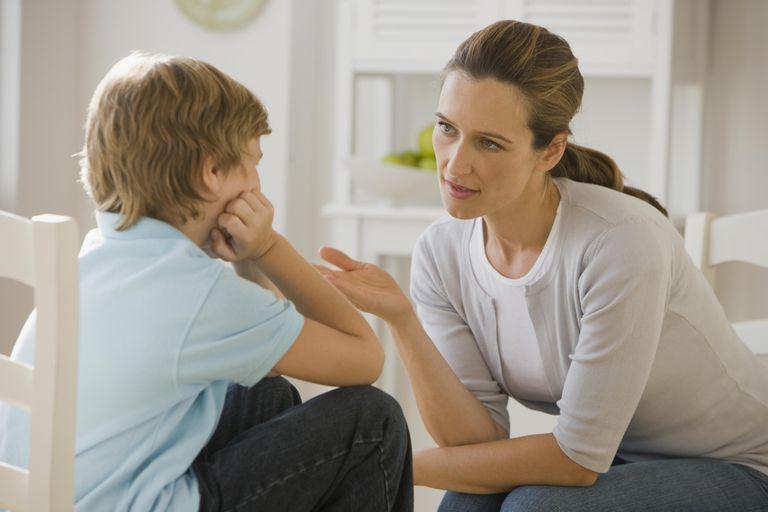 7 bước đối phó khi trẻ cáu gắt, nói năng thô lỗ