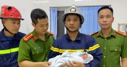 Hà Nội: Bé trai sơ sinh bị bỏ rơi giữa 2 khe tường rất hẹp