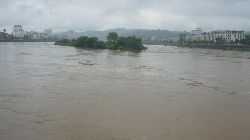 Trung Quốc thông báo xả lũ, nước sông Hồng chuẩn bị dâng cao trở lại