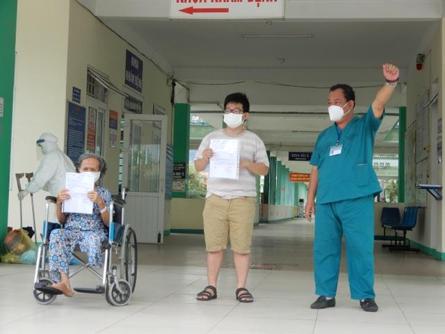 Thứ trưởng Nguyễn Trường Sơn rời Đà Nẵng sau 3 tuần ở tâm dịch Covid-19 - 5