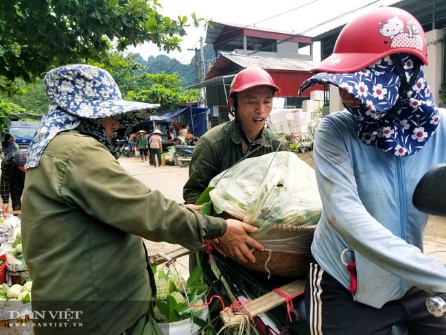 Lạng Sơn: Nhộn nhịp ở chợ Na lớn nhất nước - Ảnh 3.