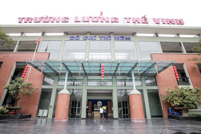 Trường học ở Hà Nội kiến nghị khẩn cấp đến Bộ trưởng Giáo dục