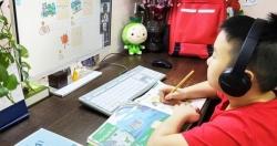 Dịch tiếp tục căng thẳng, cô trò Hà Nội gian nan kiểm tra học kỳ trực tuyến