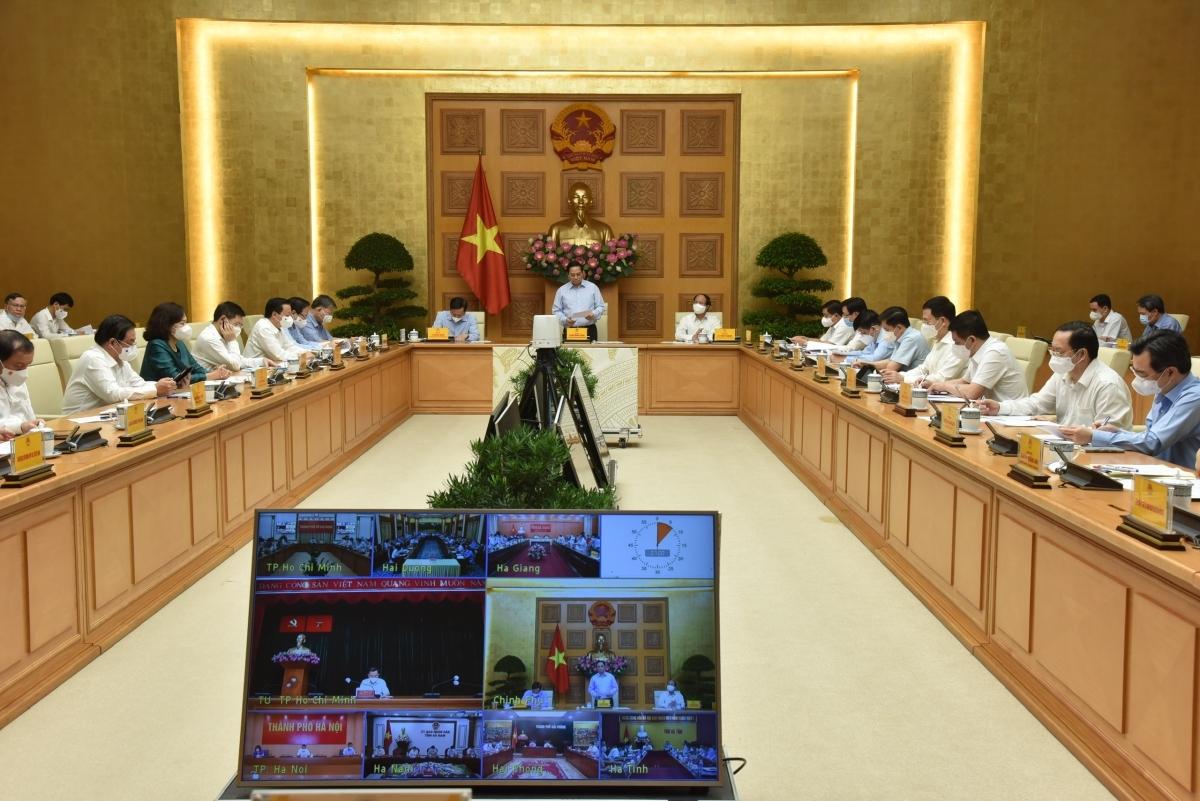 Toàn cảnh Hội nghị trực tuyến toàn quốc của Thủ tướng Chính phủ với đại diện doanh nghiệp, hiệp hội doanh nghiệp và các địa phương về các giải pháp tháo gỡ khó khăn, thúc đẩy sản xuất kinh doanh của doanh nghiệp trong bối cảnh đại dịch COVID-19.
