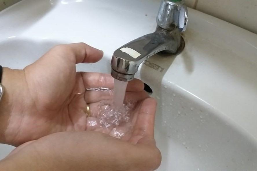 Hà Nội đề xuất giảm giá nước sạch 4 tháng cho người dân vì dịch COVID-19