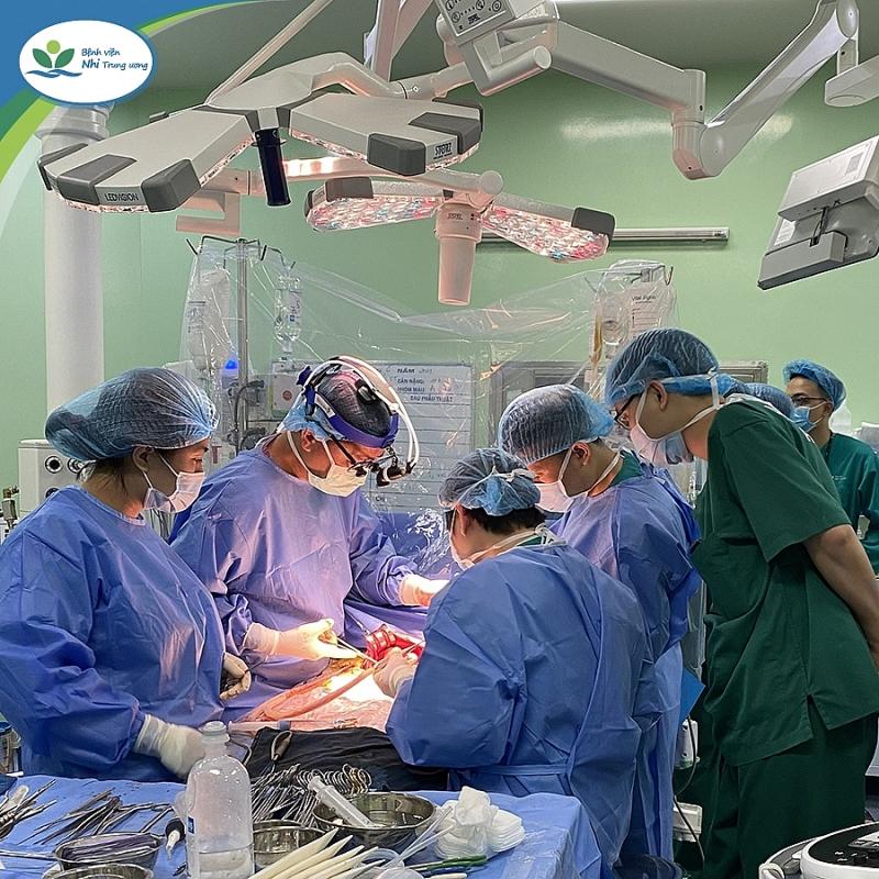 Ca ghép gan đầu tiên cho trẻ ung thư gan ở Việt Nam