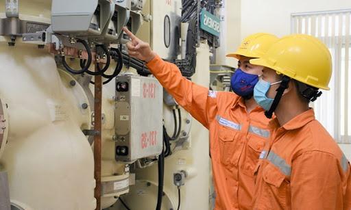 Đề nghị giảm giá điện cho các DN logistics, ngành hàng xuất khẩu trên 1 tỉ USD. Ảnh: EVN