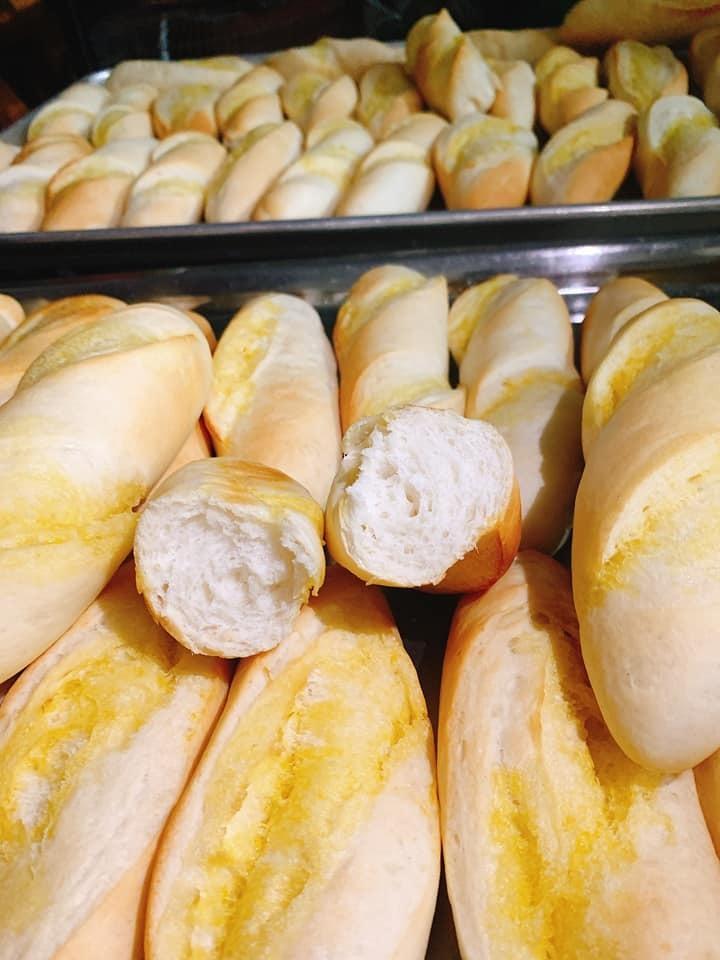 Ở nhà rỗi quá, chị em Hà thành mở lò bánh mỳ tại gia