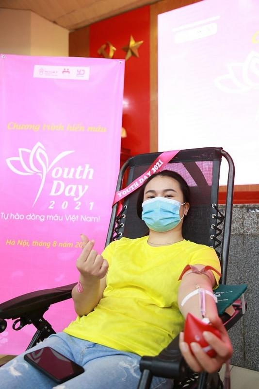 Youth Day 2021: Trao những giọt hồng hi vọng mùa dịch Covid-19