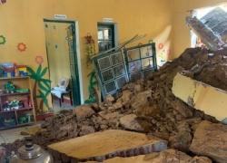 Lào Cai: 4 trường học bị thiệt hại, một lớp học bị vùi lấp trong đêm
