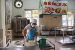 Liên tiếp 2 trường nghi ngờ có học sinh ngộ độc thực phẩm, huyện Đông Anh rà soát toàn bộ bếp ăn