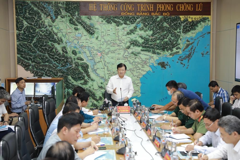 Bão số 5 giật cấp 13 đổ bộ cùng triều cường, Việt Nam dự kiến di dời 500.000 dân