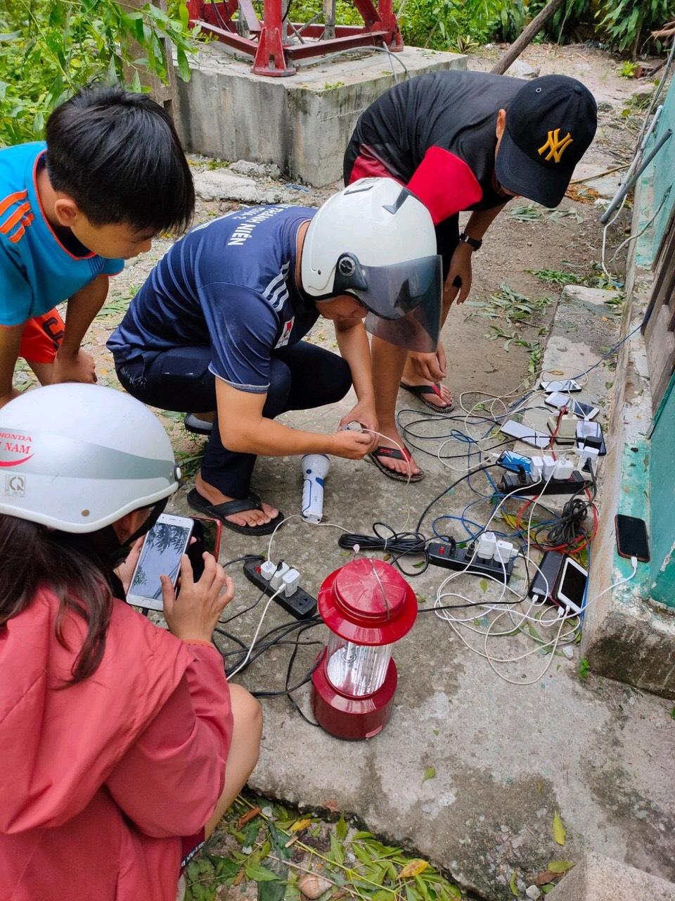 Viettel Thừa Thiên Huế triển khai 423 điểm sạc điện thoại miễn phí cho người dân