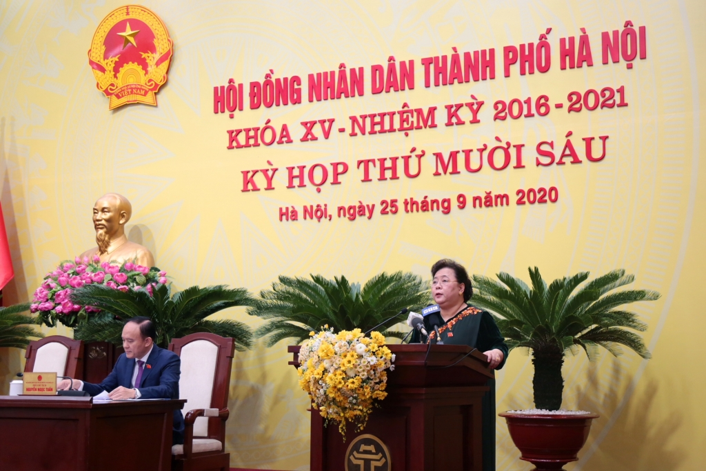 Chủ tịch HĐND TP Nguyễn Thị Bích Ngọc phát biểu khai mạ kỳ họp