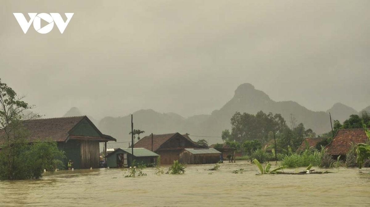 Bão có thế gây mưa lớn trên đất liền Việt Nam.