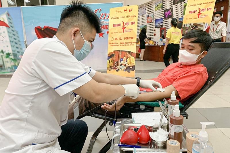 Năng lượng tích cực từ những giọt máu hiến tặng giữa đại dịch Covid-19