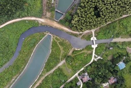 Nước sinh hoạt nhiễm dầu thải ở Hà Nội