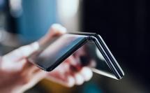 quen galaxy fold di smartphone nay co 2 ban le man hinh 10 inch
