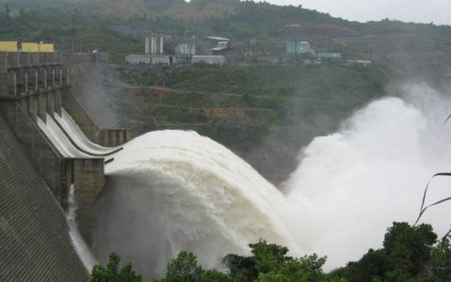 TP Lào Cai ngập sâu, Nhà máy thủy điện Bắc Hà bất ngờ xả lũ - 1
