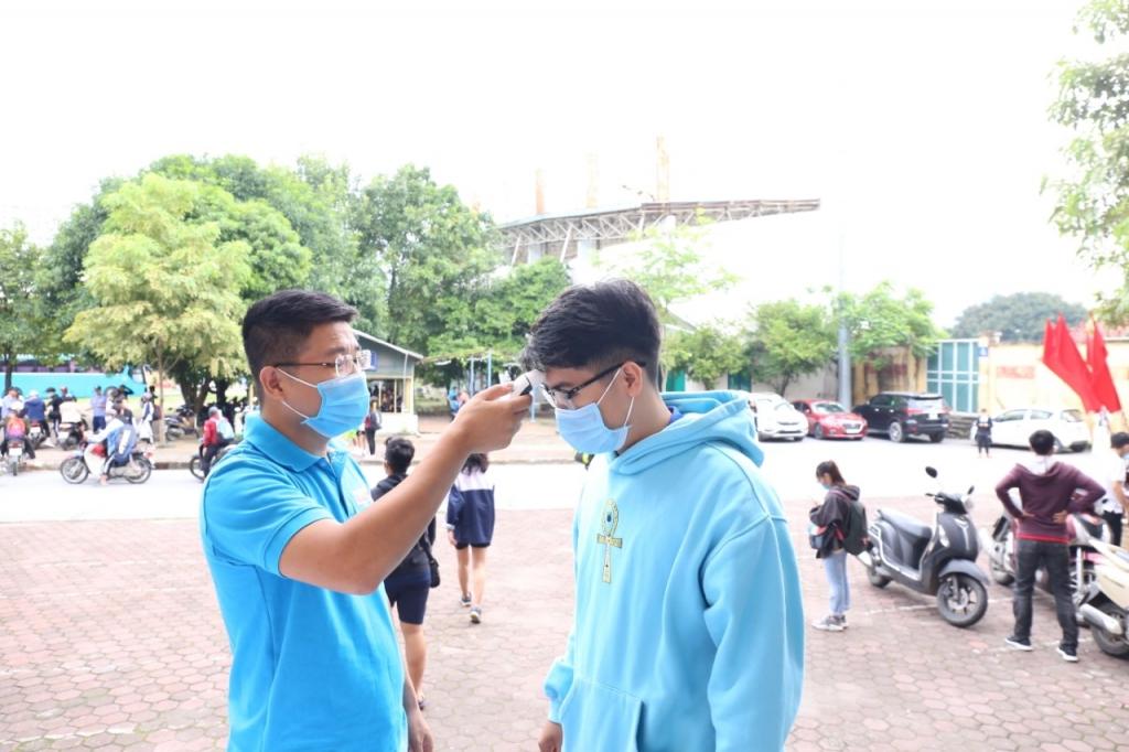 Tưng bừng khai mạc Giải Cầu lông Học sinh Sinh viên TP Hà Nội tranh Cúp Báo Tuổi trẻ Thủ đô lần VII năm 2020