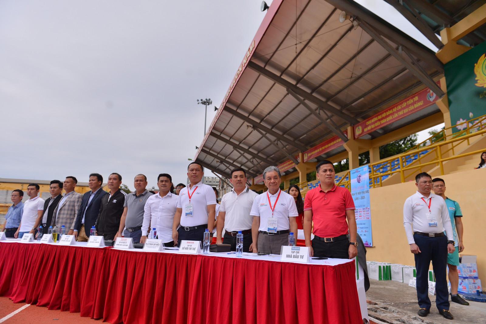 Khai mạc Giải bóng đá Kinh tế Môi trường lần I   2020