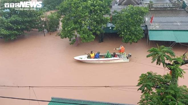 Hà Tĩnh phát lệnh sơ tán gần 15.000 hộ dân, tính tới phương án xấu nhất - 1