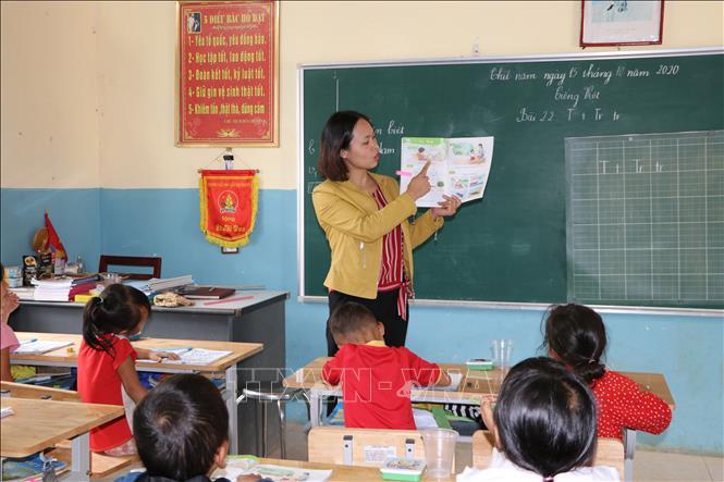 Khó khăn trong triển khai sách giáo khoa mới ở vùng cao