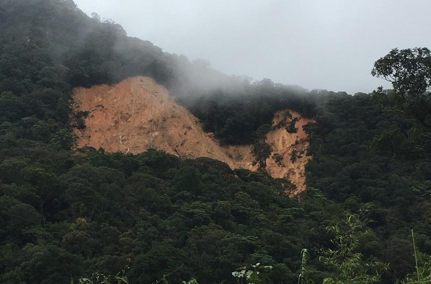 3 người mất tích nghi bị vùi lấp do sạt lở đất ở Quảng Trị