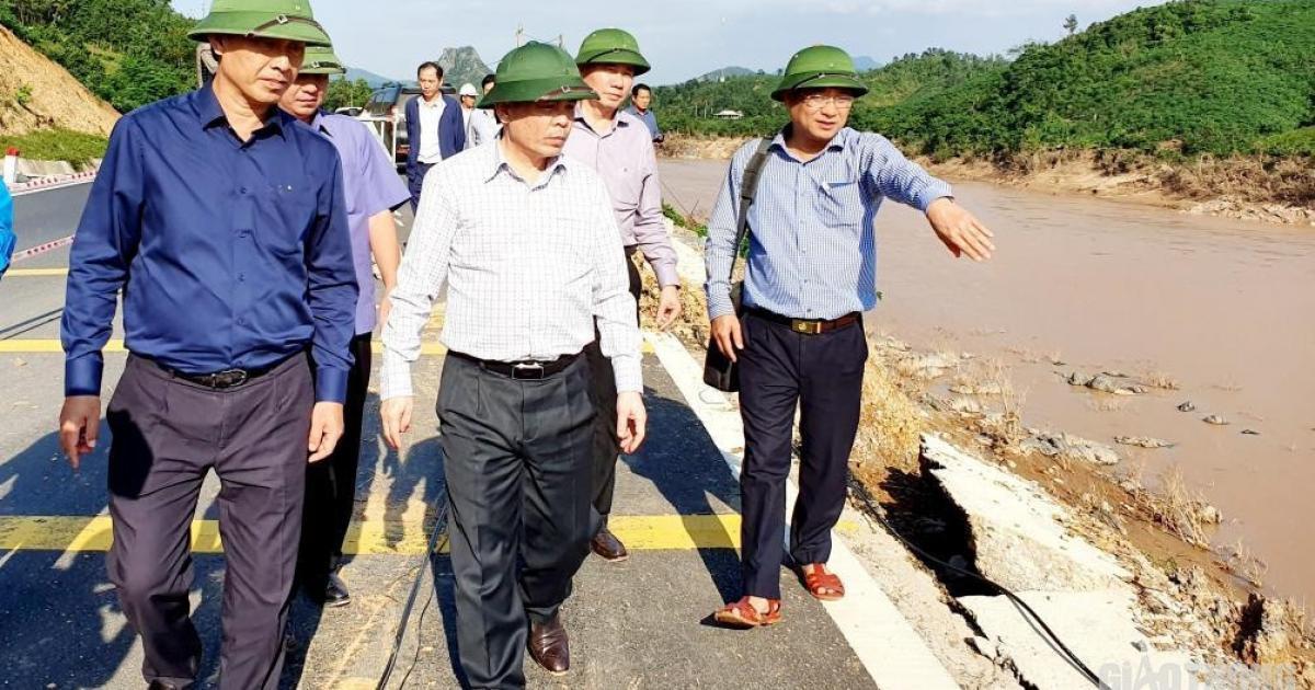 Bộ trưởng Nguyễn Văn Thể: Xuất quỹ dự phòng, khẩn cấp nối thông quốc lộ