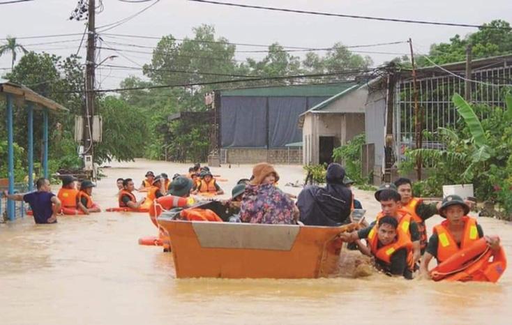 Tạm cấp 500 tỷ đồng hỗ trợ khẩn cấp 5 tỉnh miền Trung