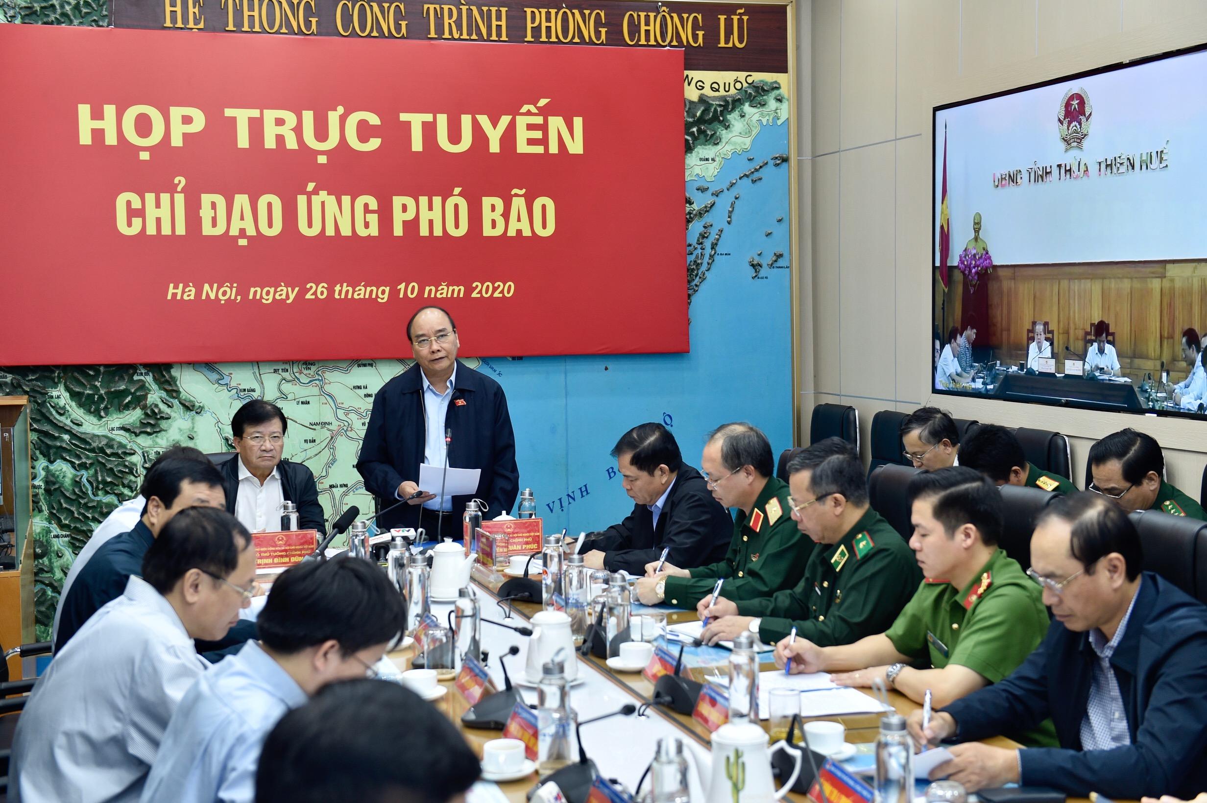 Bão số 9 mạnh đặc biệt, Thủ tướng họp khẩn với các địa phương