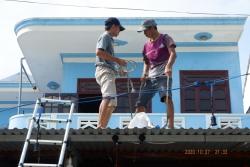 Quảng Nam: Người dân hối hả chằng chống nhà cửa trước nguy cơ bão Molave đổ bộ
