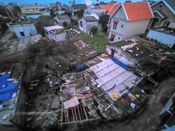 Quảng Ngãi: Gió đang giật cấp 11 tại Lý Sơn nhiều nhà dân đã bị tốc mái