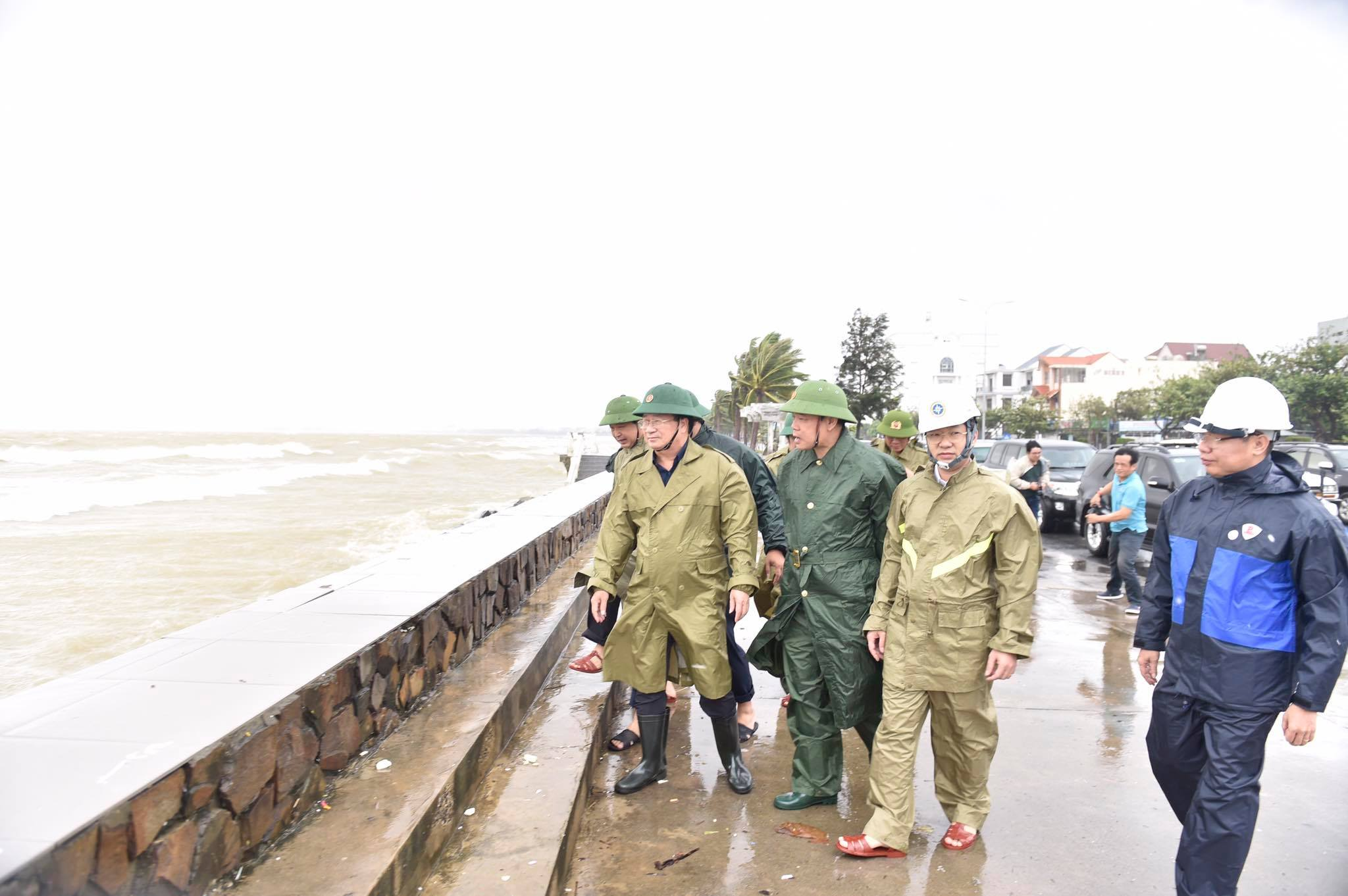 Phó Thủ tướng Trịnh Đình Dũng: Tình hình khẩn cấp, không quyết liệt ứng phó thì vô cùng nguy hiểm