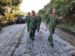 [NÓNG] - Công binh bắt đầu tiếp cận thông tuyến đường vào Trà Leng